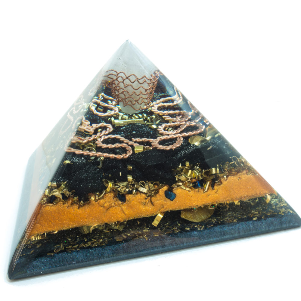 Orgonite Pyramid - Crystal quartz, shungite